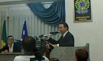 Vereador discursa na Câmara de Chapadinha