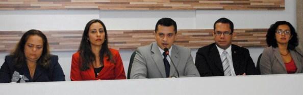 Defensor geral, Aldy Mello Filho, empossa Mari-Silva Maia no cargo de ouvidora geral da DPE