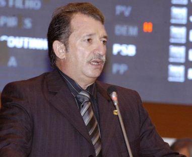 Ministério Público Federal propõe ação de improbidade contra Bacelar.