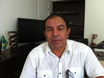 http://www.netoferreira.com.br/wp-content/uploads/2012/08/Blog-Luis-Cardoso-350x2611.jpg
