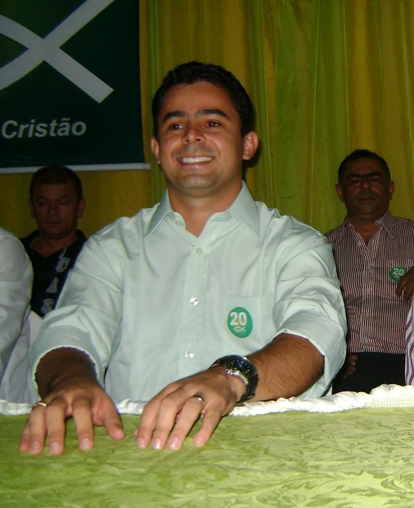 Eric Costa mostra força e lidera pesquisa em Barra do Corda.