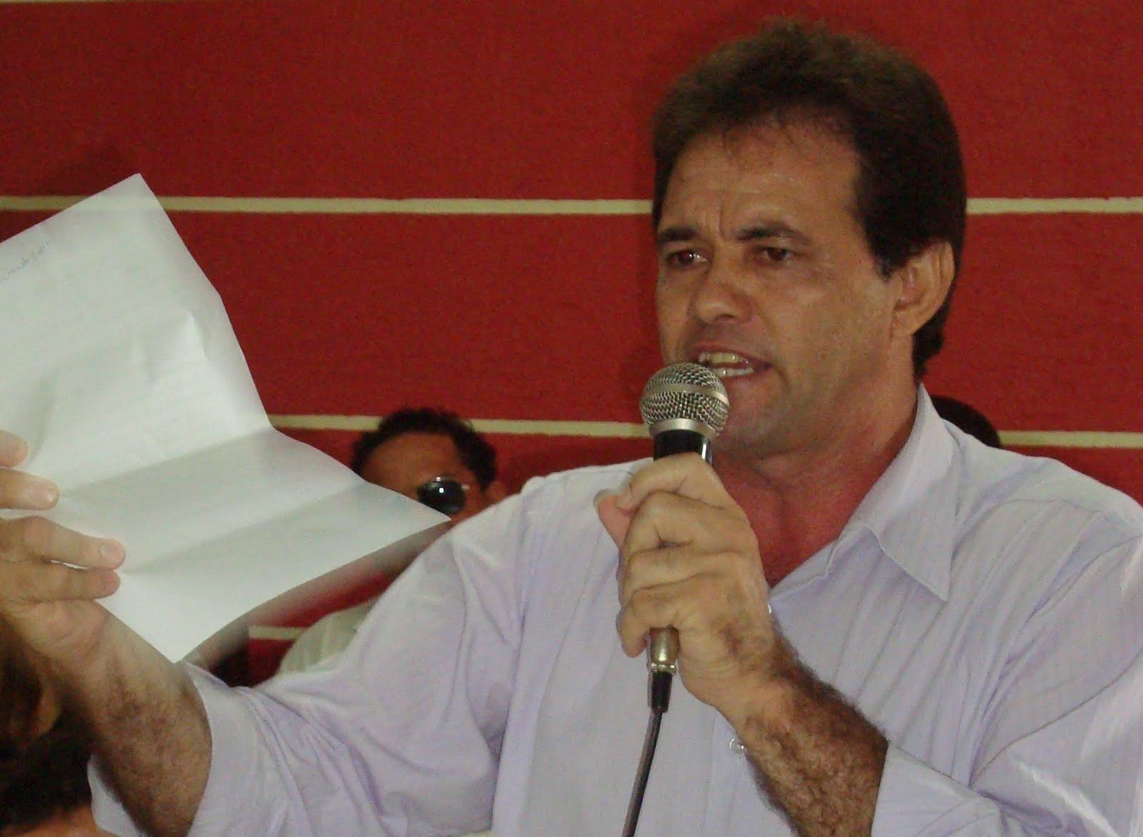 prefeito Vanderlúcio Simões