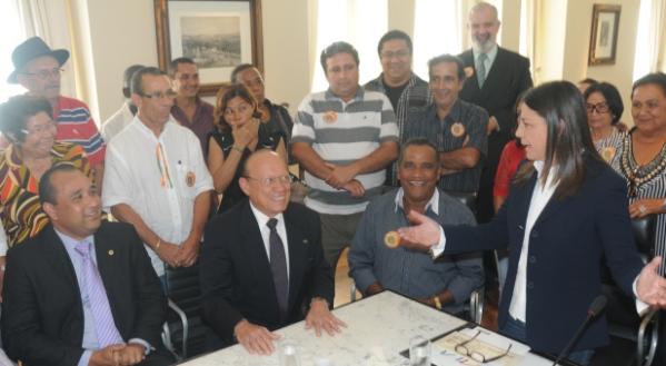 Roberto Costa e João Alberto participam de reunião do Palácio.