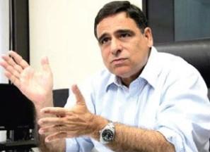 Secretário Max Barros.