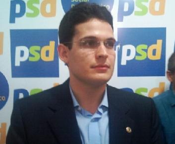 Alexandre Almeida.
