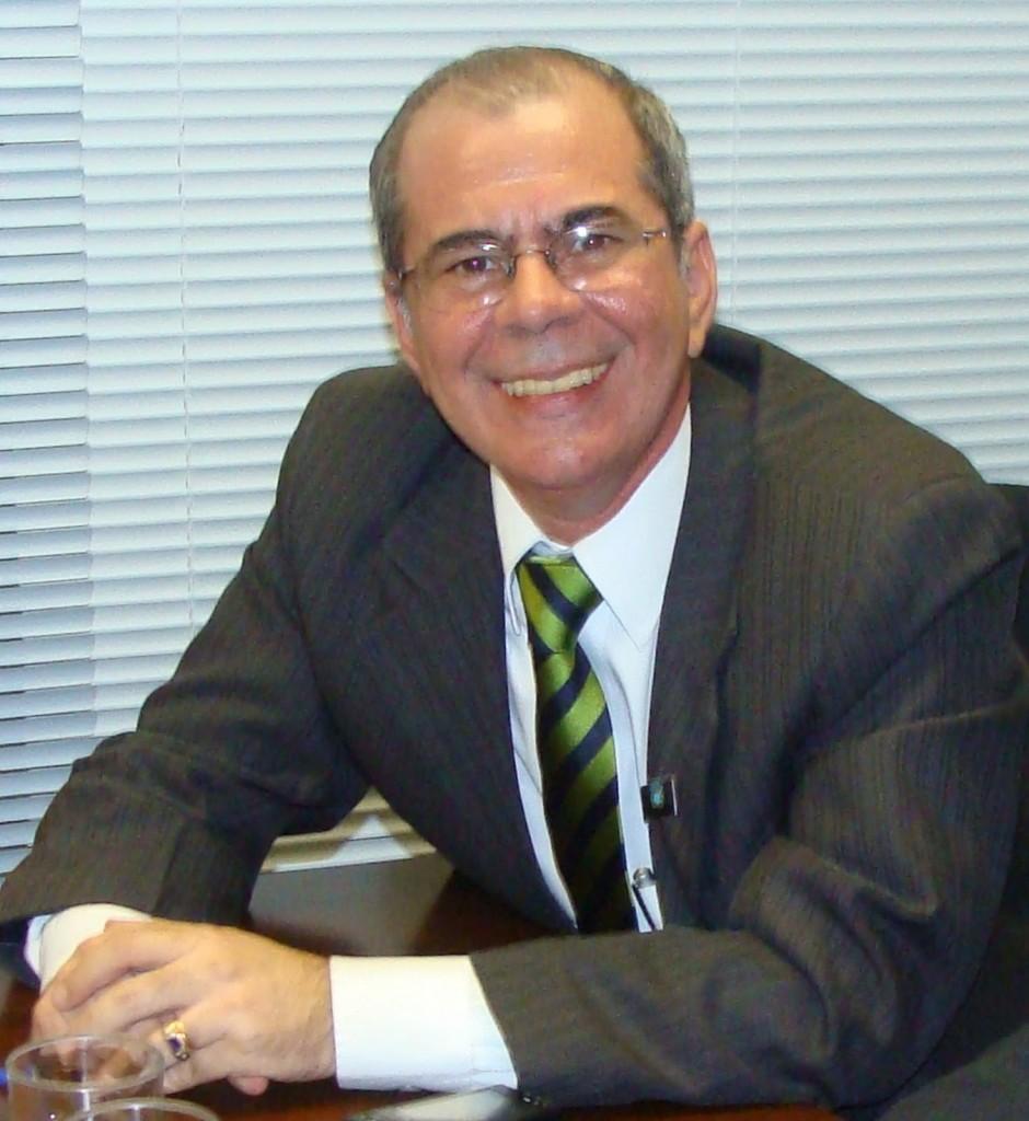 Secretário Hildo Rocha.