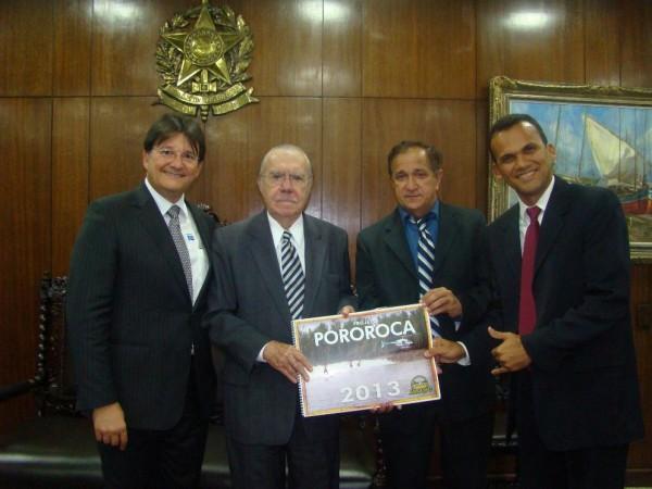 O empresário 'Fernando Pororoca, no canto direito, com Jura Filho, Sarney e Djalma Melo.