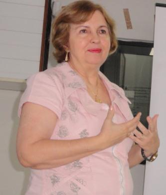 A secretária Roseli Ramos.