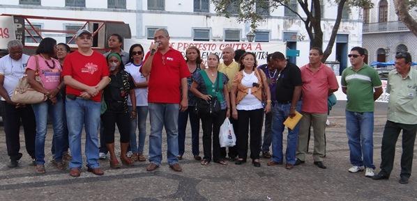 Servidores protestam contra João Castelo.