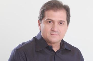 Simplício Araújo