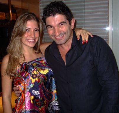 Roberta Brasil se esconde com medo de Alessandro Martins.