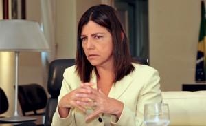 Governadora Roseana Sarney tenta endividar o Estado novamente,
