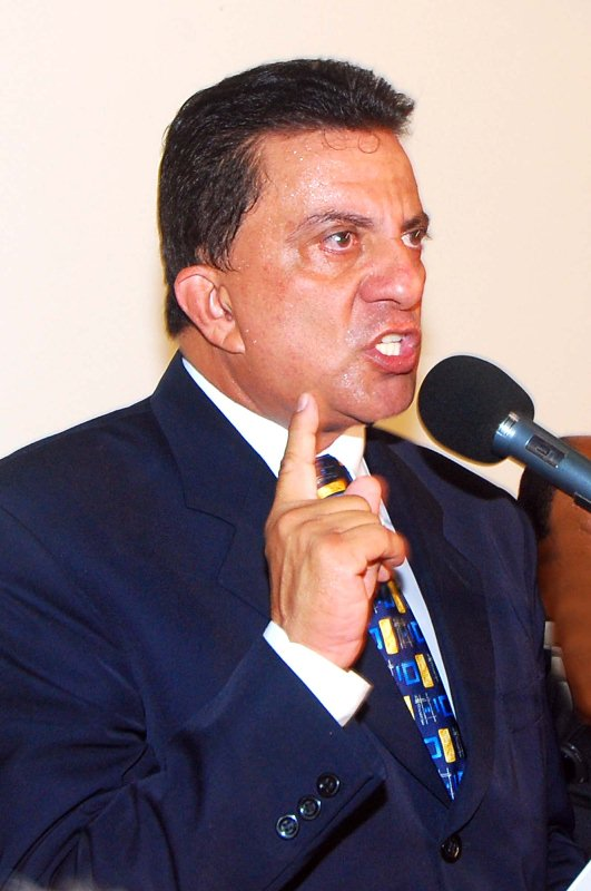 Ex-prefeito Tadeu Palácio
