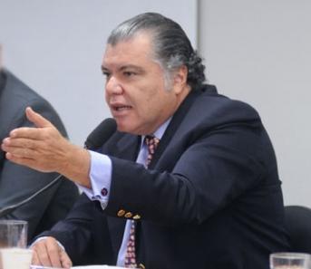 Irmão da governadora, Sarney Filho se mantém na liderança do partidoo.