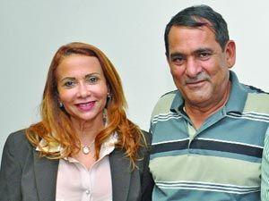 Josemar Sobreiro e nova secretária de Educação