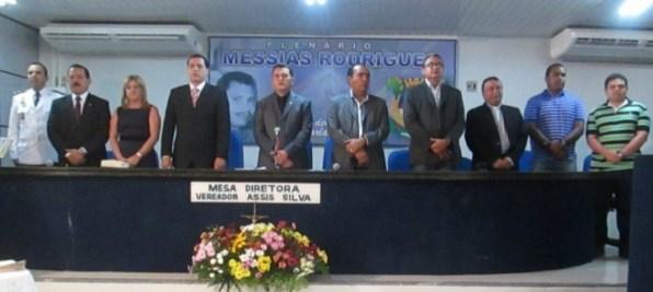 Mesa das autoridades durante a entrega dos Títulos de Cidadão Pedreirense. Foto: Blog do Carlinhos
