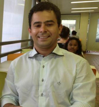 Eric Costa.