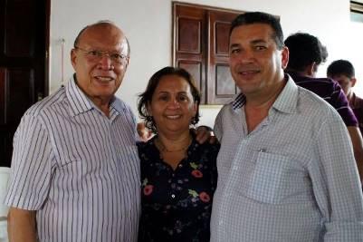 João Alberto, a primeira dama e o prefeito de Buriticupu, Zé Gomes.