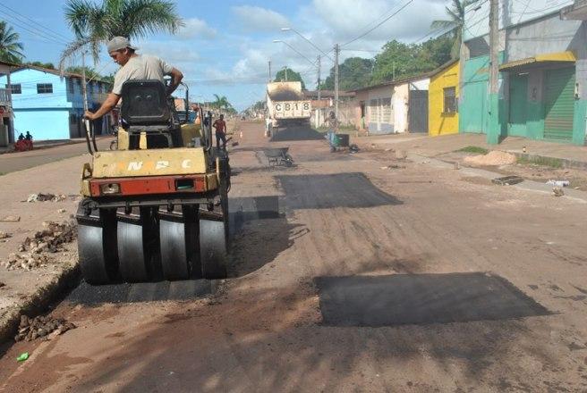 Avenida Paraíso está recebendo os serviços de recuperação.