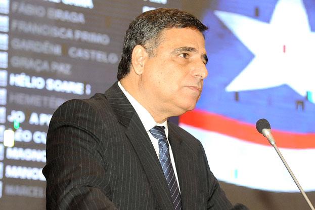 Deputado Max Barros.