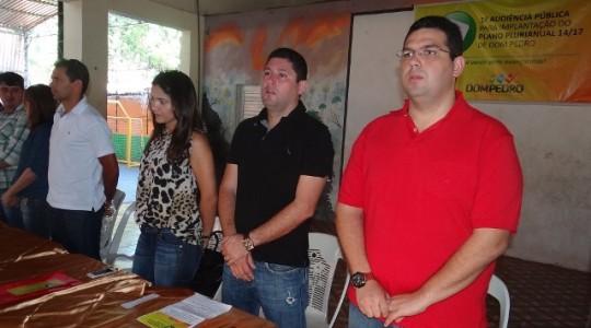 Fábio-Macedo-acompanhado-do-prefeito-Hernando-Macedo-durante-a-I-Audiência-Pública
