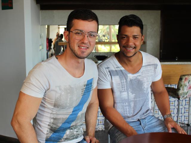 Depois de cinco meses morando juntos, Ruber e Armando decidiram oficializar o casamento. (Foto: Jorge Martins/Imirante)