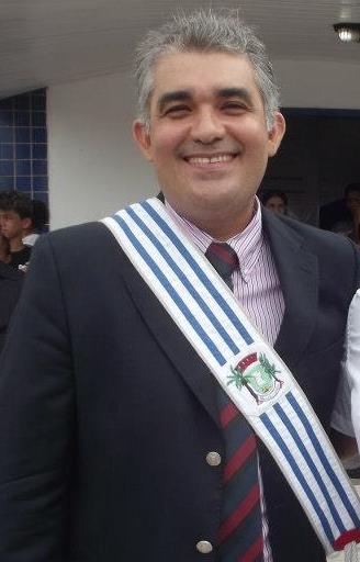 Prefeito de Coelho Neto.