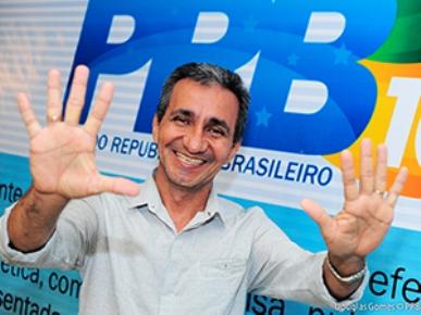 Raimundo Mendes.