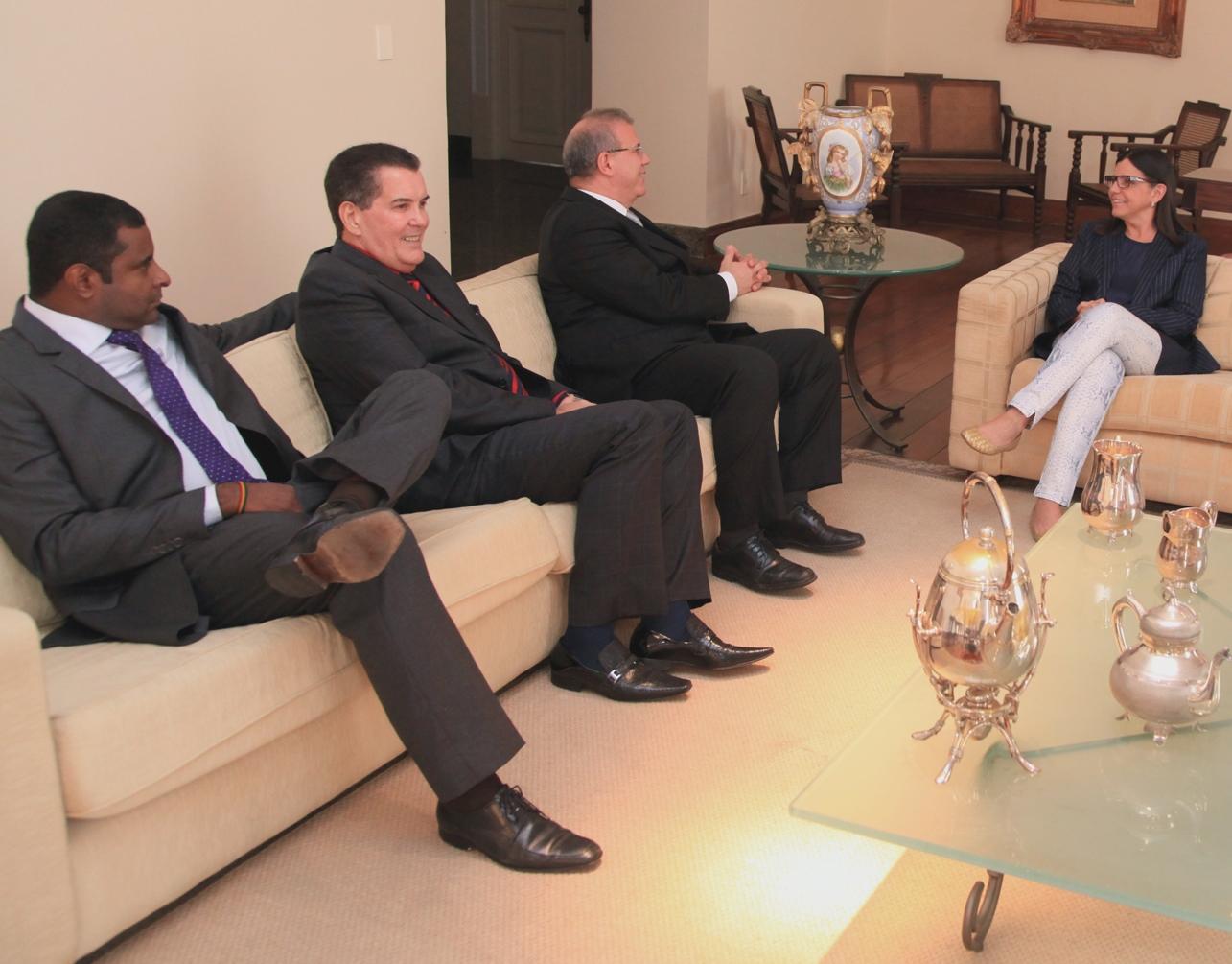 Governadora Roseana em encontro com Fábio Câmara e José Américo.