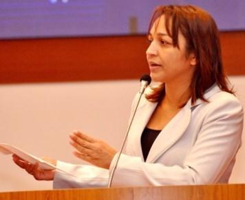 Deputada Eliziane Gama.