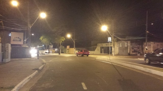 Avenidas Gonçalves Dias, principal da Sede do município, com nova iluminação.