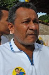 Prefeito Clodomir Oliveira.