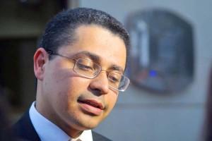 Carlos Eduardo diz não passar de lenda urbana questão de não poder realizar concurso em ano eleitoral.