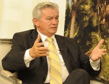 Deputado Arnaldo Melo.