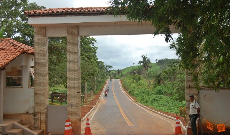 Estrada inaugurado pelo secretário de Infraestrutura.