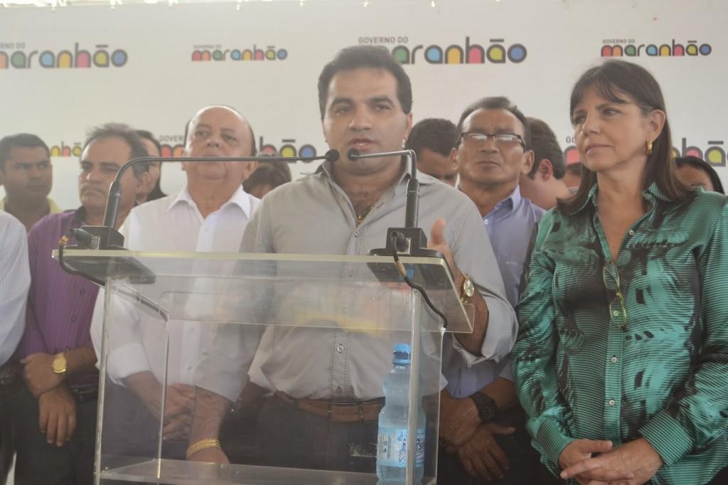 Líder político Josimar Cunha ao lado do prefeito Valmir Amorim e da Roseana Sarney.