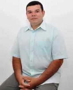 Vereador professor Roberto agora sem legenda.