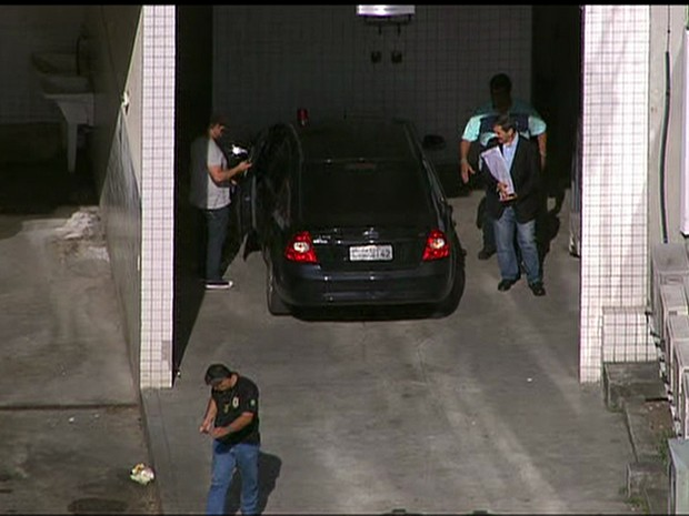 Roberto Jefferson deixou o IML do Rio às 16h (Foto: Reprodução / TV Globo)