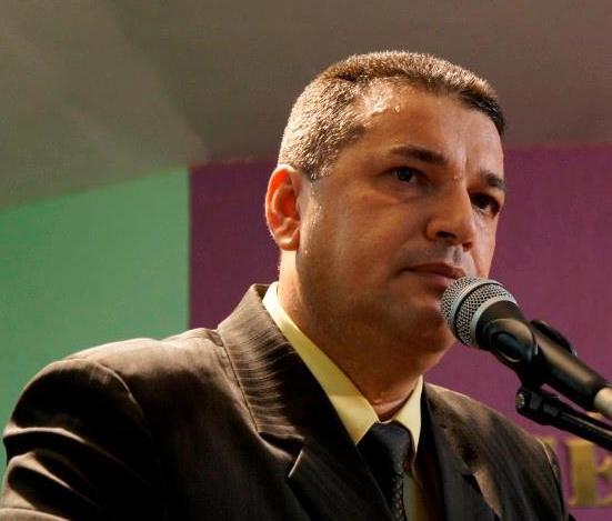 Prefeito de Zé Gomes.