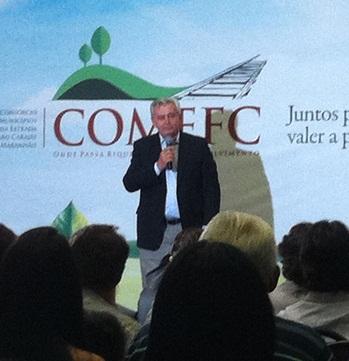 Arnaldo Melo durante homenagem do COMEFC.