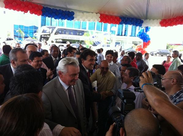 Edinho Lobão é recebido pelos prefeitos na Assembleia. (foto:Blog do Neto Ferreira).