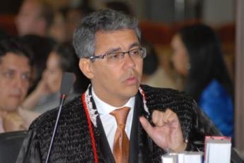 Desembargador Paulo Velten.