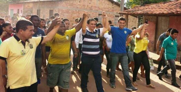 Glalbert Cutrim em caminhada com lideranças em Turilândia.