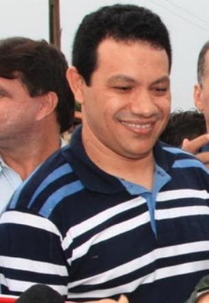 Washington Luis de Oliveira -> ex-prefeito de Bacuri
