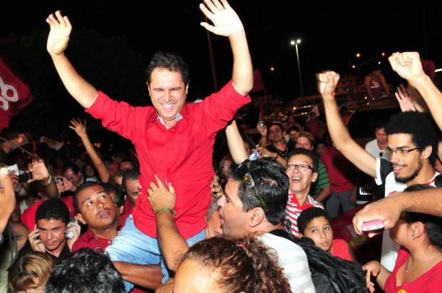 HOJE É TUDO EM FAMÍLIA O prefeito de São Luís, Edivaldo Holanda Júnior, quando se apresentava como a mudança na forma de conduzir os cofres públicos. Foto: Divulgação