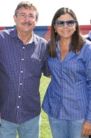Prefeito de Brejo ao lado de Roseana Sarney: uma aliança de convênios.