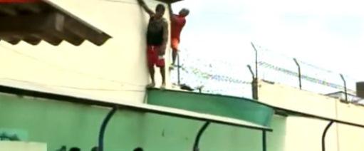 Detentos tentam fugir.