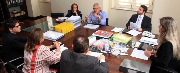Transição governo reunidos no Palácio dos Leões.