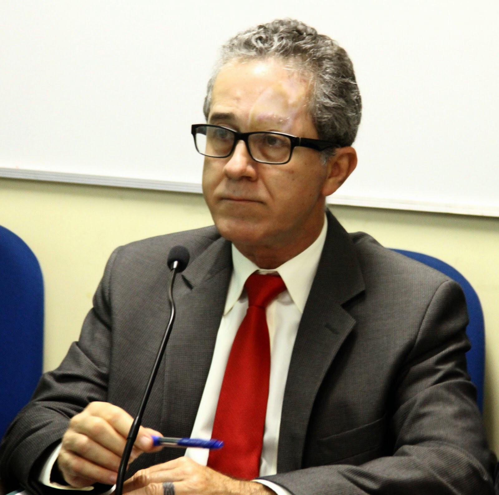 Antonio César Carneiro de Souza