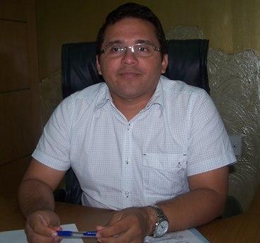 Prefeito José Leane.